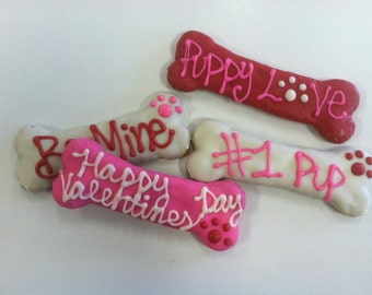 Valentine Bones Gourmet Decorated Dog Treats 4-Piece