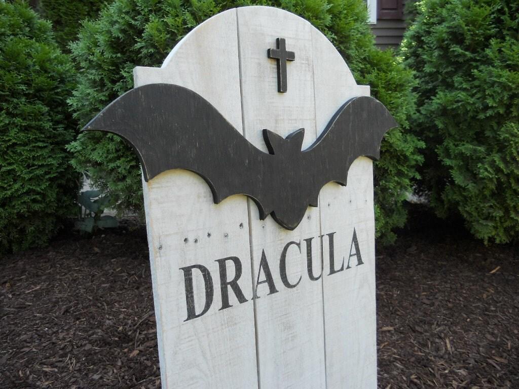 Decor pierre tombale cour ext rieure art pierre tombale de - Pierre tombale halloween ...