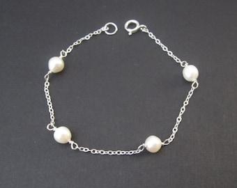 White Pearl Bracelet. Sterling Silver Jewelry. Friendship Bracelet. Wedding. Layering Bracelet. June Birthstone. Pearl Jewelry. Gift for Her