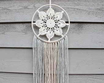 Adalyn Dreamcatcher/Wall Hanging/Vintage Doily/Upcyled/Dreamcatcher/Textile/Neutral/Wool Yarn/Protection/Tradition/Native/Home Decor/Gift