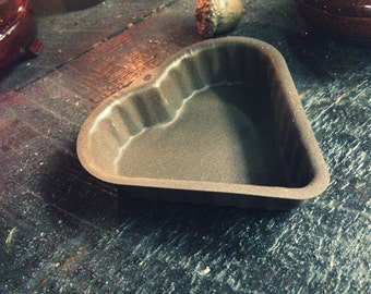 Rusty Tin heart-country decor-Rusty Tin collection-Farmhouse Decoration-Tin Primative- Candle Pan-Candle tin-Rusty
