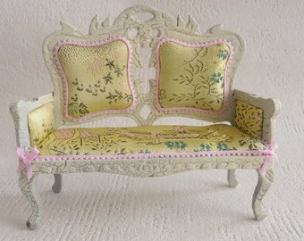 1:12 couch sofa - Doll House miniature - Shabby Chic with Brocade - Asia Orient