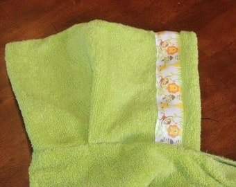 Zoo Animals Hooded Towel, Green or Yellow - For babies, toddlers, preschoolers and beyond!
