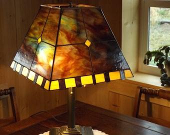 Three Bulb Prairie Style Lamp