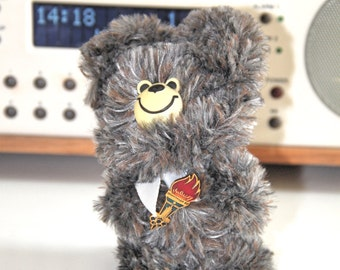 """Vintage original 1980 Moscow Olympic Russian Bear Souvenir Mascot """"Misha"""" with Olympic pin"""