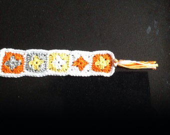 Crochet bookmark in little granny square's
