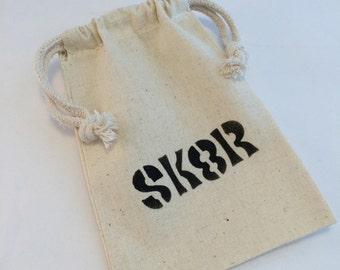 Skateboarding Favor Bags: Skateboard Party Favor Bags With SK8R Design