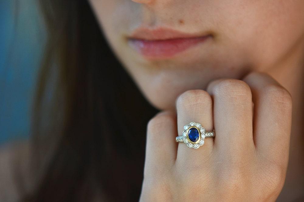 Vintage Sapphire Diamond ring 18 k gold, vintage engagement