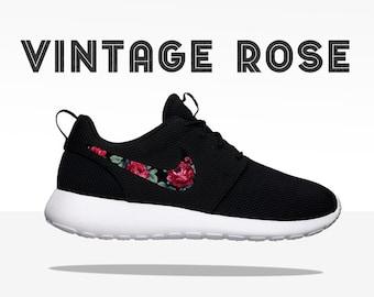 official photos 9d7d9 554c5 ezrogi TRIPLE BLACK Floral Nike Roshe Run Custom Black White Roses
