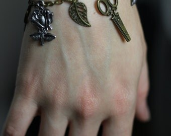 Goth - Steampunk Rose/Leaf/Scissor - Steampunk Charm Bracelet