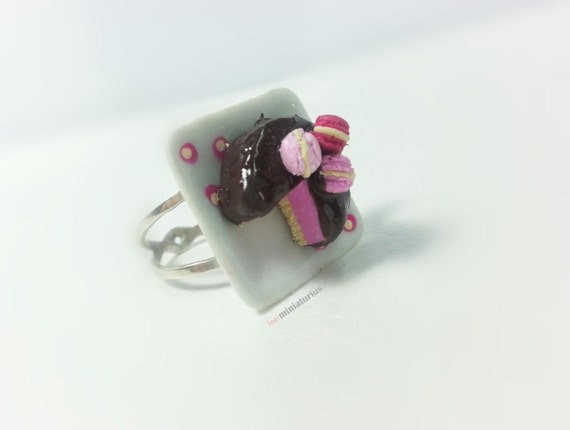 Cake Images With Name Pinky : Pinky macaron cake & chocolate ringMiniature food