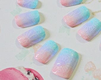 Japanese kawaii nail art false nail, fake nails, pastelcolors rainbow, pink, purple, blue, white lace, lolita accessory , fairykei
