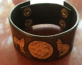 Howling Wolves Leather Cuff