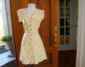 FREE SHIPPING- Amazing 1930's Yellow Strawberry Print Day Dress 28 inch waist small /medium