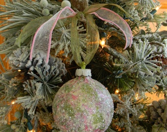 Glitter Glass Christmas Ornaments, Christmas Tree Ornaments, Christmas Bulbs, Christmas Decorations, Hand Painted Ornaments, Green, Pink
