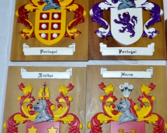 Family Coat of Arms - High deteiled Wood carver - Hand Painting