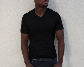 Men's Short Sleeve V-Neck / Black