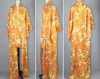 1950s kimono / silk robe / floral / ORANGE CRUSH vintage kimono