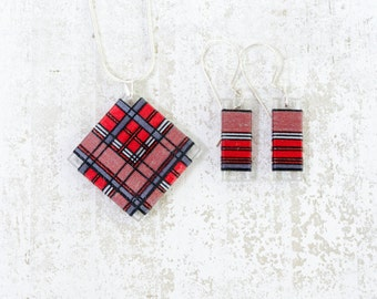 Red and Gray Tartan Thread Wrapped Fiber Jewelry Set in Scottish Plaid Fashion