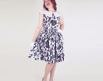 60s Black & White Print Full Skirt Dress with Cute White Collar S