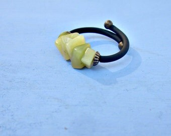 Light Green Stone Chip Beaded Adjustable Unisex Memory Wire Wrap Ring with Comfort Band: Cary