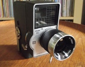 Mid Century Mansfield Holiday Automatic Zoom EE 8mm 8mm Film Camera
