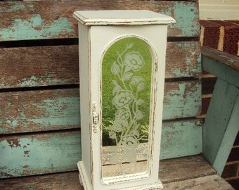 Vintage Shabby Chic Wood Jewelry Box Display Mirror Distressed Chippy Wood with Mirror and Glass Door Ring Roll Holder Necklace Carousel
