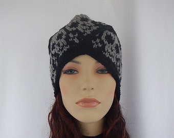 Knit Turban,knit turban hat with skulls, skull turban hat, skull and crossbones turban, black turban hat with skulls