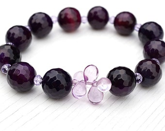 Luxury Dark Blackberry Purple Agate Bracelet.Tiny Alexandrite Crystal Bracelet. Teardrop Beads, Stacking Bracelet. Large Faceted Gemstones