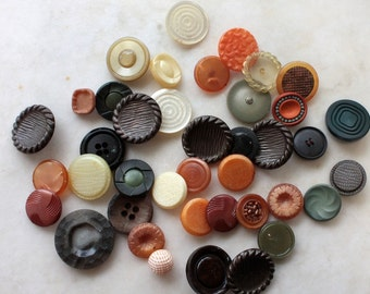 40 Vintage Buttons // Mixed // 40s 50s 60s //  New Old Stock Buttons // Assorted Sample Pack // Destash  // BD102