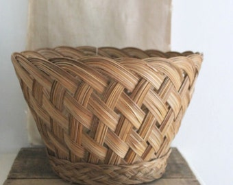 large vintage woven basket, rustic woven basket,storage basket,hand made basket