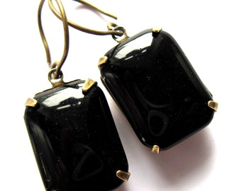 Black Glass Claw Set Earrings Retro Jewelry