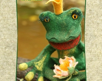 Wet Felting Kit / The Frog Princess / Hand Puppet