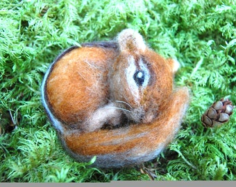 Needle Felted Chipmunk. Life Sized Baby Chipmunk Felted. Wool Felt Chipmunk. Felted Animals. Woodland Animal. Animal Needle Felted