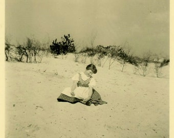 "Vintage Photo ""The Sand Counter"" Girl Beach Snapshot Photo Old Antique Photo Black & White Photograph Found Paper Ephemera Vernacular - 61"