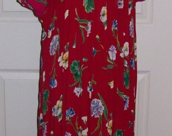 SALE 50% Off Vintage Ladies Red Floral Print Dress by Worthington Size 12 Now 3 USD