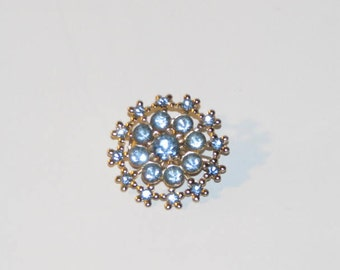 RHINESTONE WREATH BROOCH // Vintage Baby Blue Ocean Gold Silver 50's Pin Mother's Day Gift Grandmother Estate 60's Snowflake