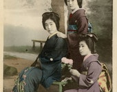 photo geisha vintage; vintage postcard