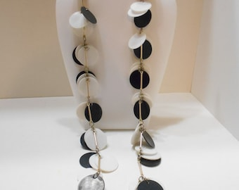 Vintage Black & White Disc Necklace (2321) Hong Kong