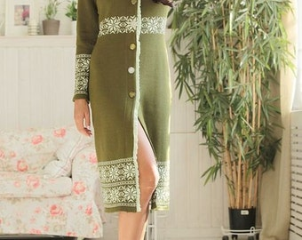 "Elegant author's coat ""Luxury green"" with jacquard print"