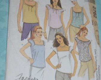 McCalls 2762  Misses / Misses Petite Top Sewing Pattern - UNCUT - Size Med - Lrg