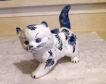 Vintage Hand Painted Blue Delft Holland Large Cat