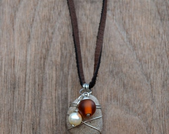 Wire Wrapped Rock and pearl Pendant Necklace