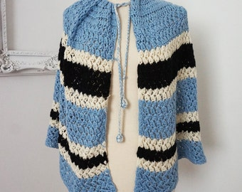 Blue and White Soft Knitted Cape Girls Sz Small