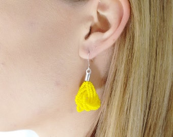 Yellow Earrings, seed bead earring, bright yellow earrings, sunshine seed bead jewelry, beaded dangling earrings,sunflower,lemon earring