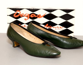 Vintage Green Leather Women's Shoes -- Saks Fifth Avenue -- Degas -- 1960's -- Size 7B