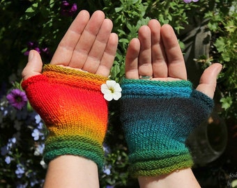 "Fingerless mittens ""contrasts"", fingerless gloves, wrist warmers, one-of-a-kind - fine yarn and great fit, for her or him"