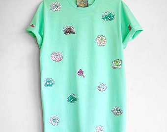 SUCCULENT T SHIRT. 100% cotton T shirt with succulents. Mint green t shirt. Teal green t shirt.