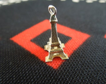 Silver Eiffel Tower Charm Vintage Eiffel Tower Paris France Figural Silver Charm for Bracelet from Charmhuntress 02188