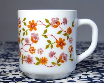 Orange flower Scania decor ARCOPAL mug - French 70s vintage